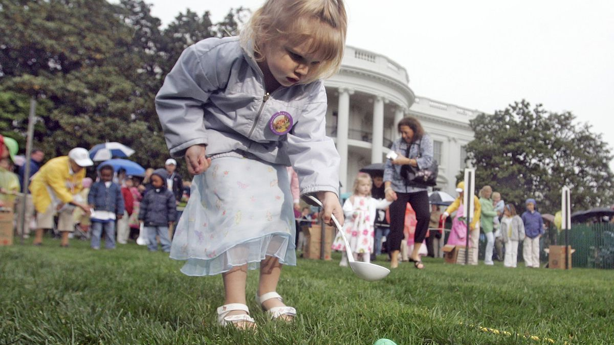 Children participate in Easter egg roll on White House lawn. (Source: AP)