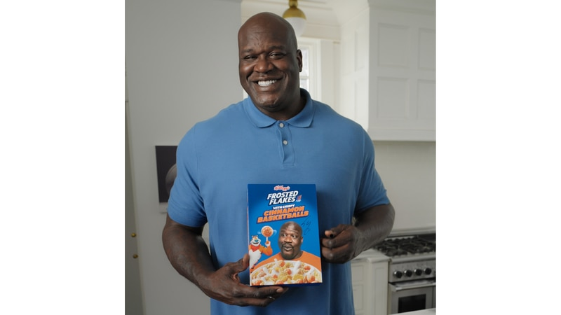 Tony the Tiger® teams up with Kellogg's Frosted Flakes® superfan and legendary Hall of Famer...