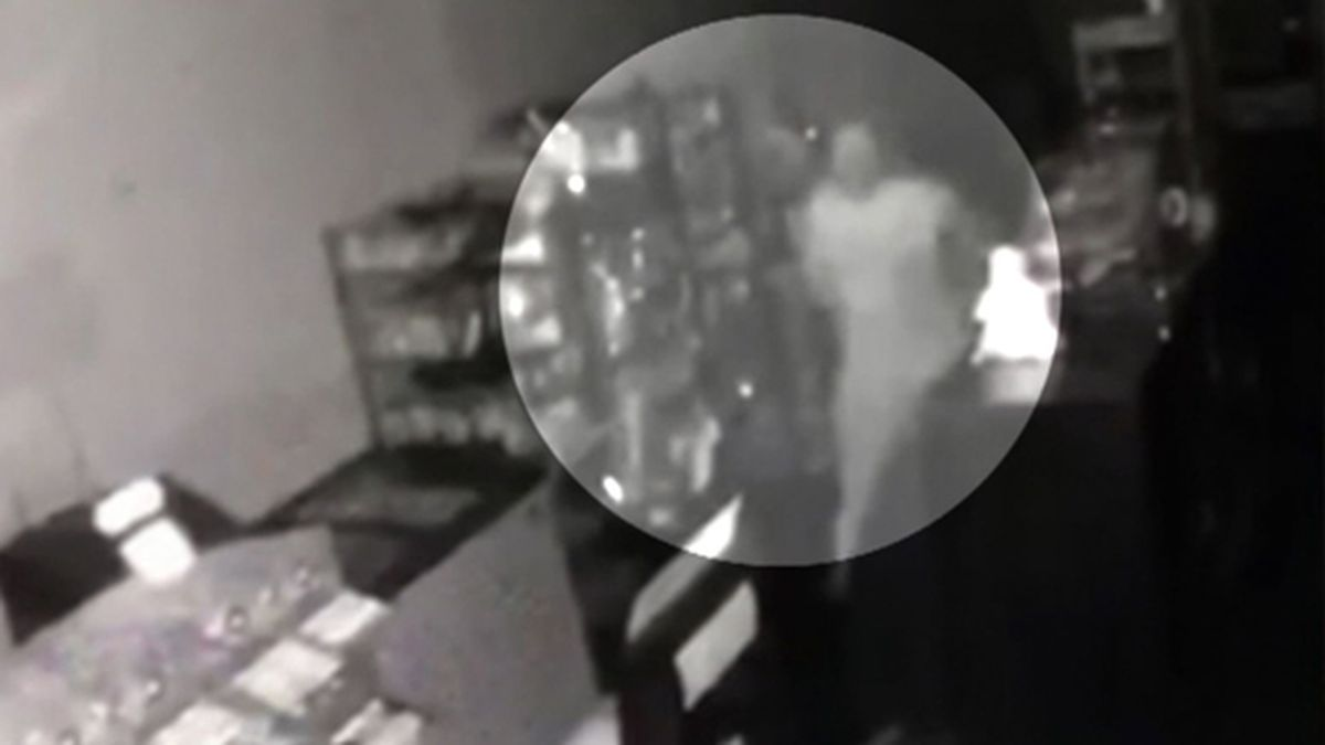 Police say surveillance video shows a thief breaking through a wall to rob a deli in New Jersey. (Source: WCBS/Sweet Cheese Deli/CNN)