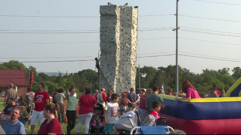 Many gathering for the Fourth of July at the Alcoa Maryville Church of God