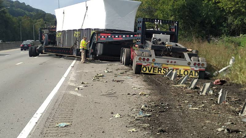 2 lanes closed on I-640 after crash involving tractor trailer