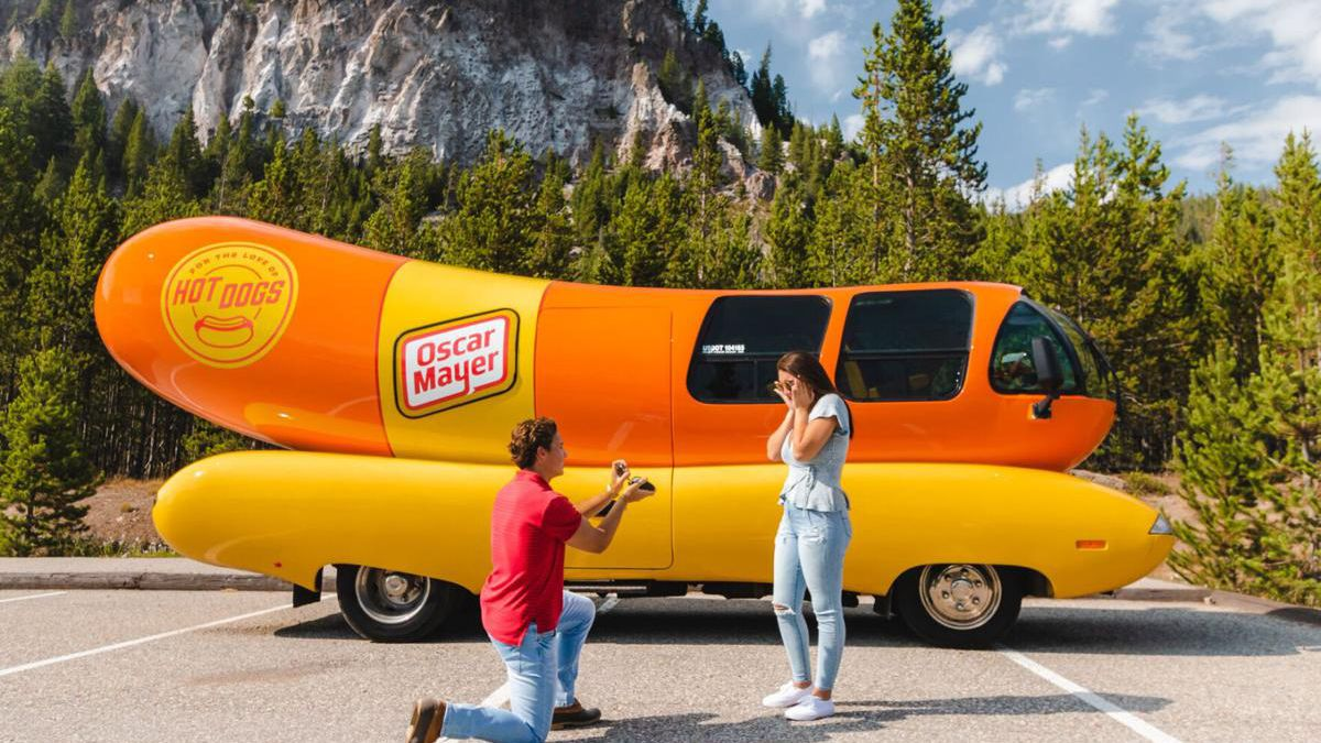 Oscar Mayer's iconic hot dog-shaped automobile is now available for lovers to book for when they pop the big question.