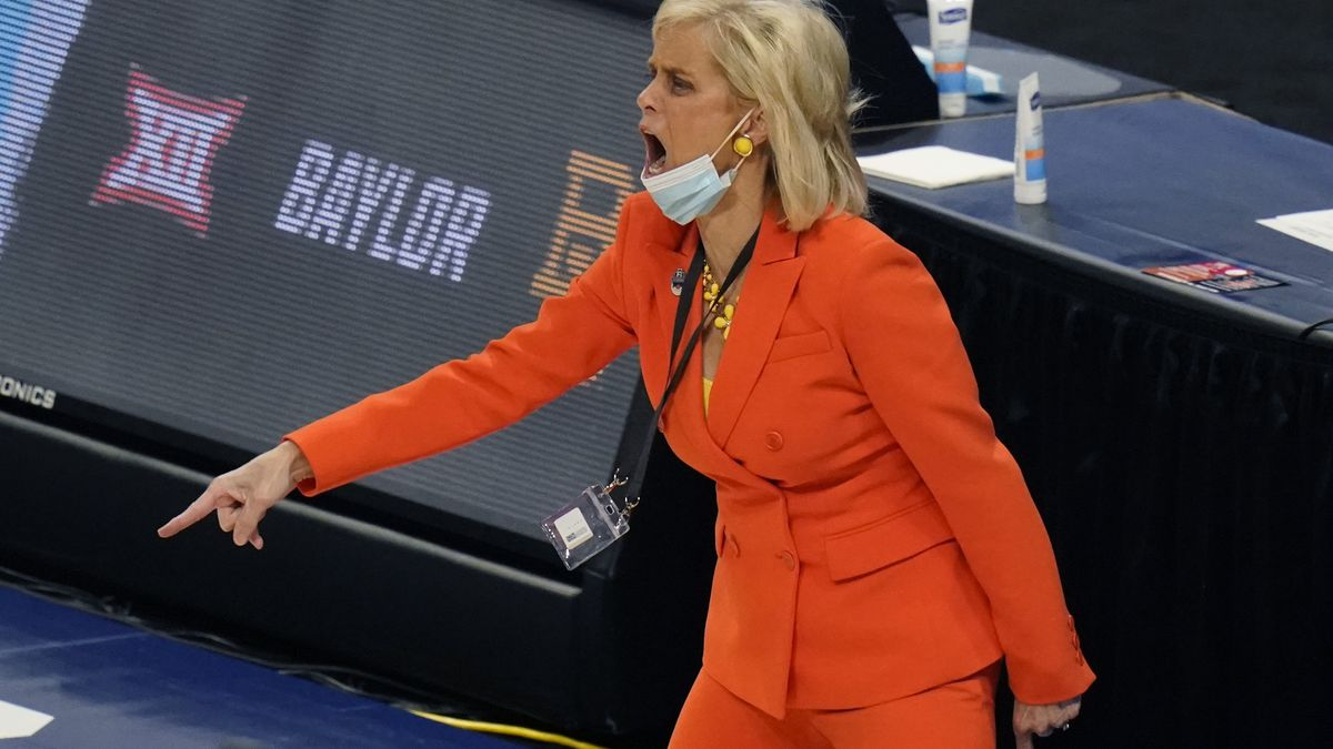 Baylor head coach Kim Mulkey calls to her players during the first half of a college basketball...