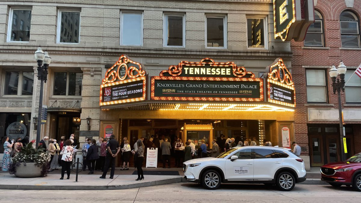 Knoxville Symphony Orchestra returns to the Tennessee Theatre.