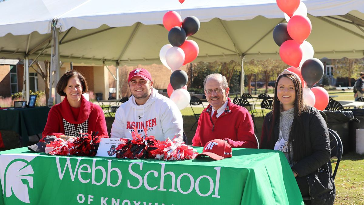 Webb School golfer signs with Austin Peay State University