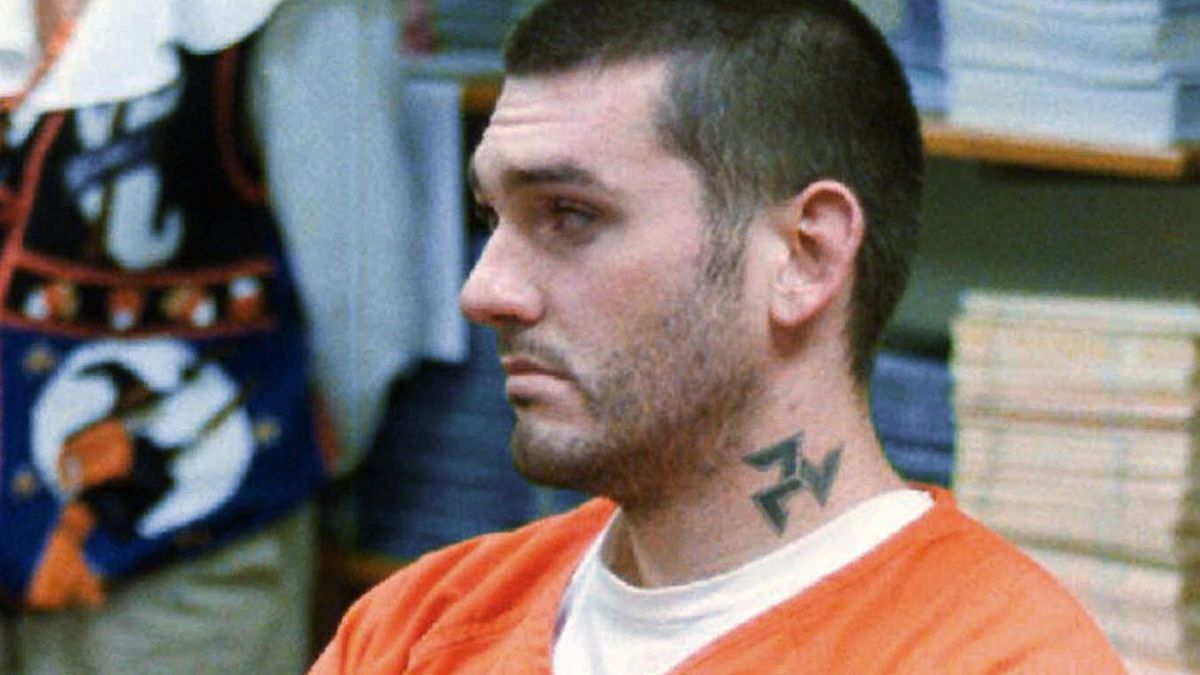 In this Oct. 31, 1997 file photo, Daniel Lewis Lee waits for his arraignment hearing for murder...