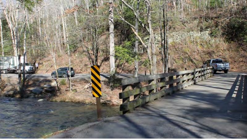 One-lane bridge at Metcalf Bottoms Picnic Area