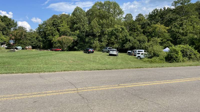 Jefferson County Sheriffs Deputies investigating after skeletal remains were found along...