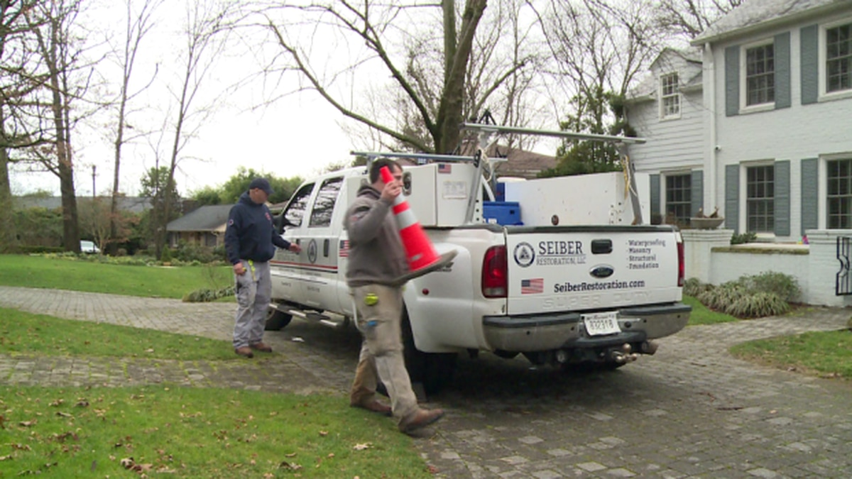 Flood conditions are creating a busy time for construction and foundation businesses like Seiber Restoration. / Source: WVLT News