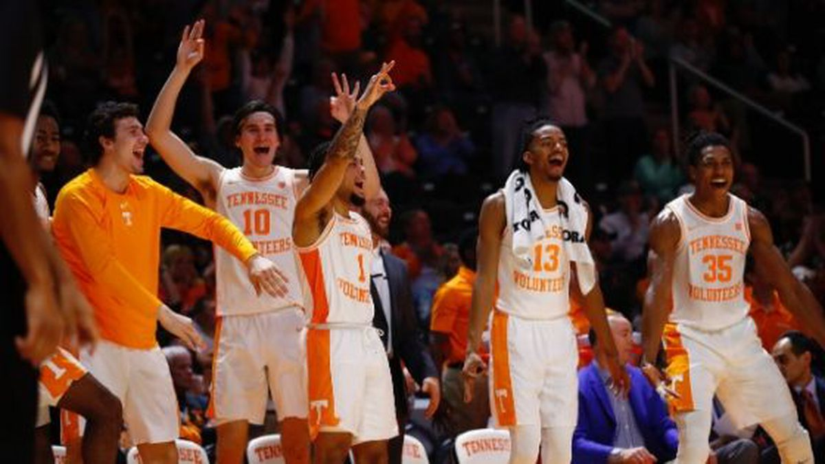 The latest Associated Press college basketball poll ranks the Vols at no. 17. / (Tennessee Athletics)