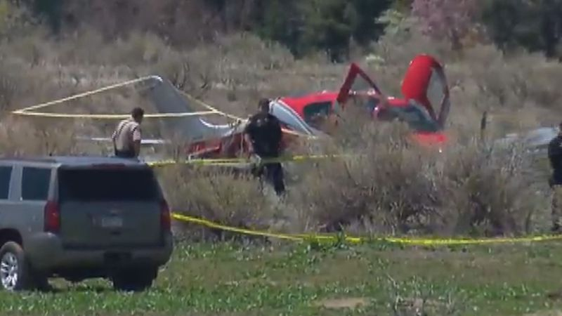 No injuries after Cirrus SR22 deploys parachute in Colorado collision