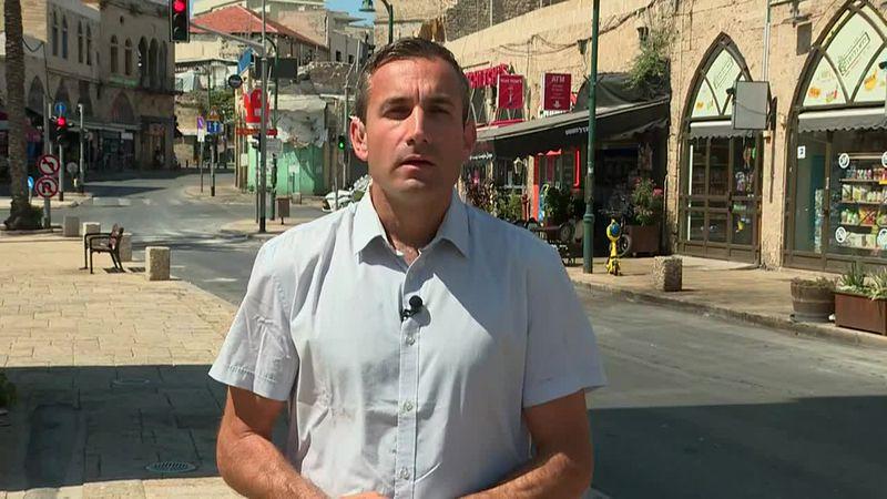 Israeli tanks pound Gaza ahead of possible ground incursion