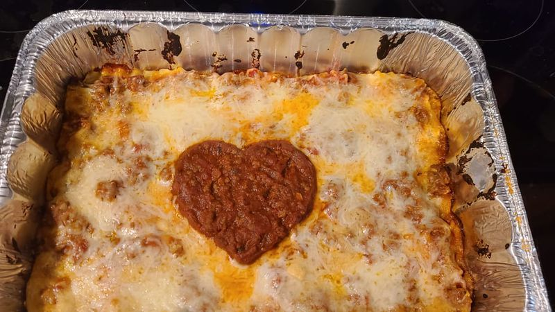 East Tennessee volunteers with the Lasagna Love movement need more help.