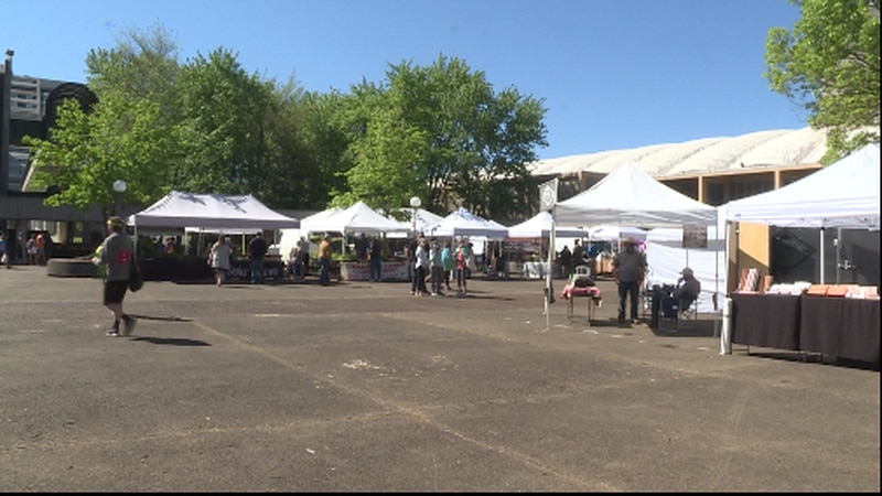 A wide-view of the Nourish Knoxville Farmers' Market