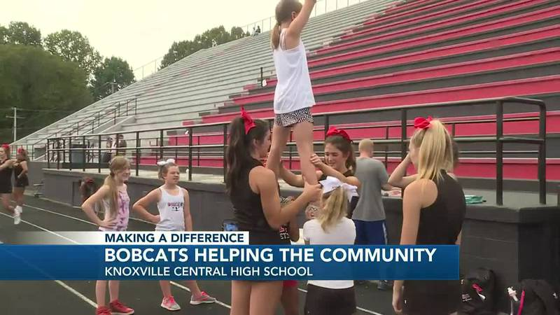 The students help host community service event to donate to Fountain City Ministries.