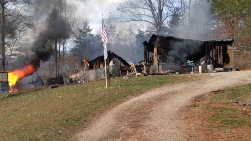 New Tazewell fire destroys home