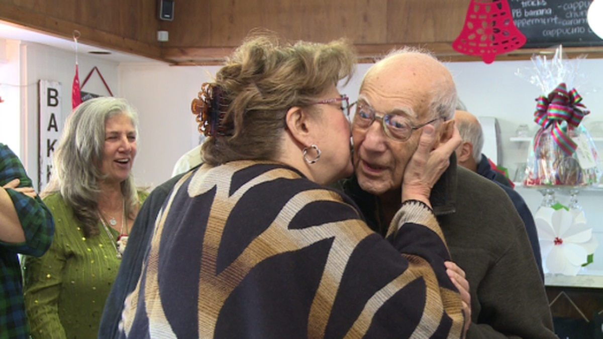 Angelo Miceli's 106th birthday is on Christmas Eve. / Source: WVLT News