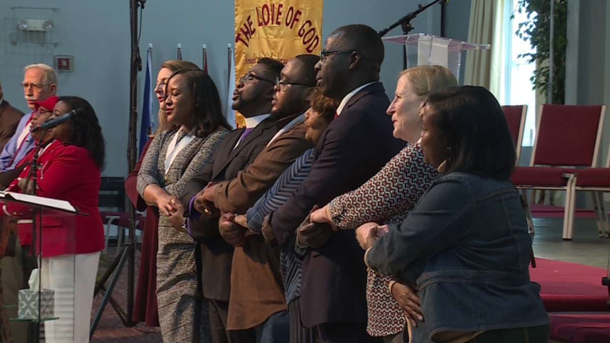 People from all different religious backgrounds came together in unity to remember Dr. King. / Source: WVLT News