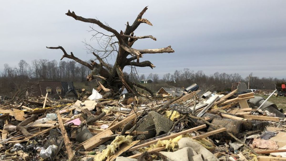 Tornado damage in Putnam County / Source: WVLT