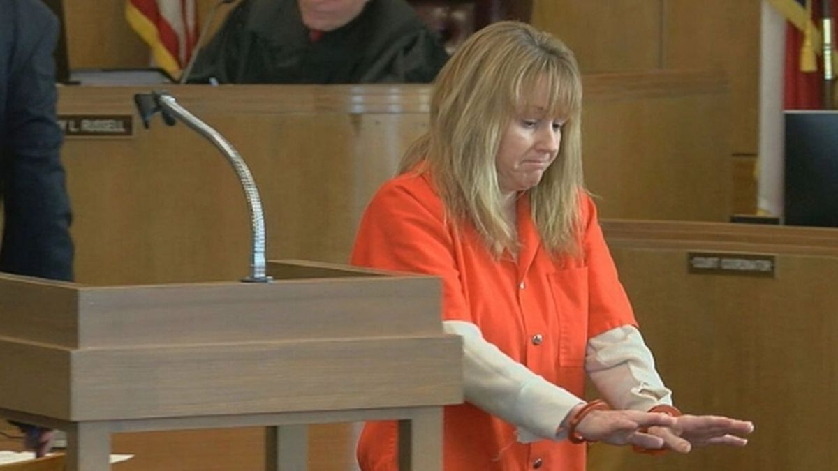 Holly Leanne Elliot, 43, appeared in a Smith County courtroom Monday Jan. 13, 2020 for a sentencing that has been reset. / Source: (KLTV)