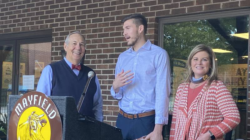 Tennessee football player signs deal to represent Athens-based Mayfield Dairy Farms throughout...