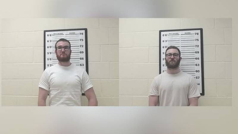 Fentress County Sheriff's deputies searching for escaped inmates