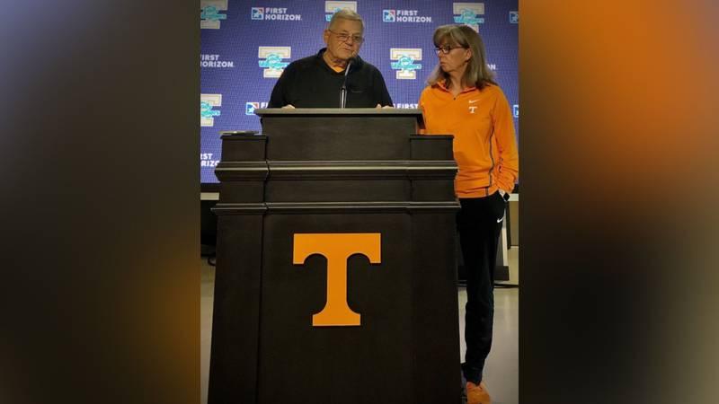 UT softball coach Ralph Weekly announced retirement