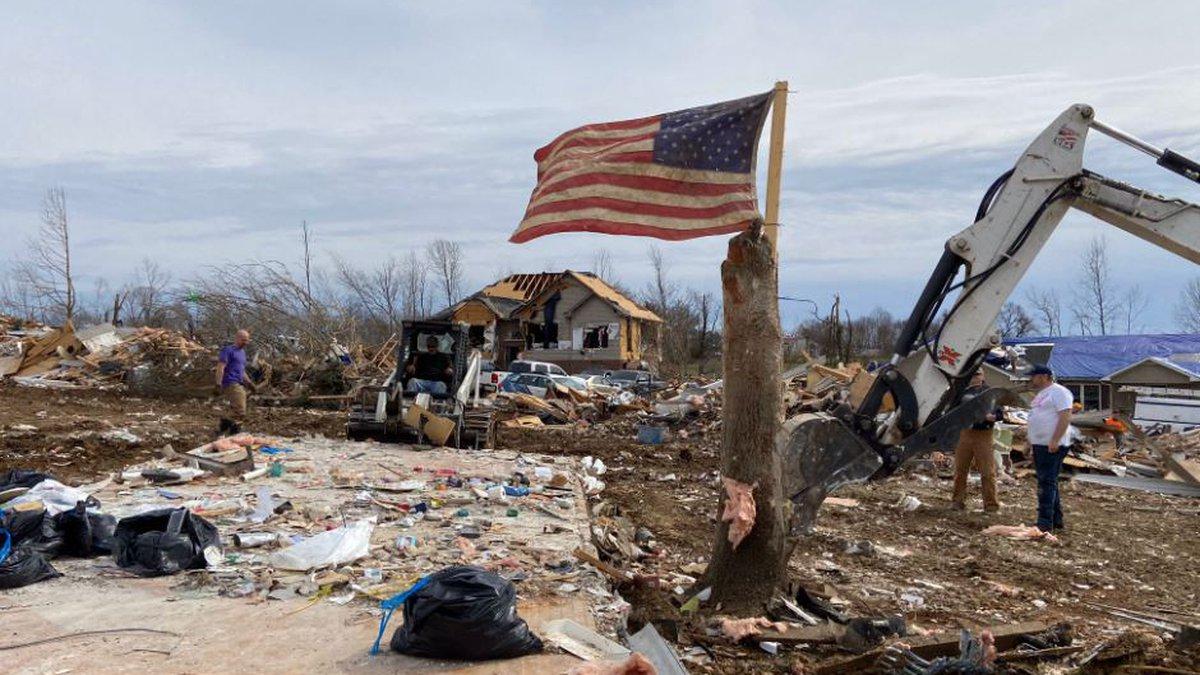 American flag among tornado damage in Putnam County / Source: WVLT