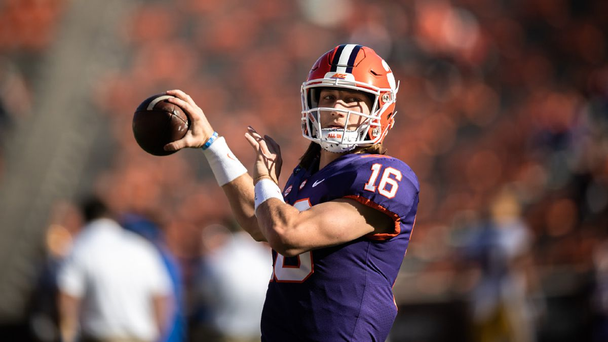 Clemson quarterback Trevor Lawrence(16) warms up with his team before the game against...