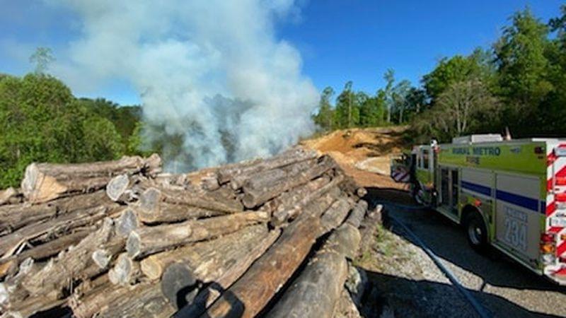 Rural Metro responds to mulch fire