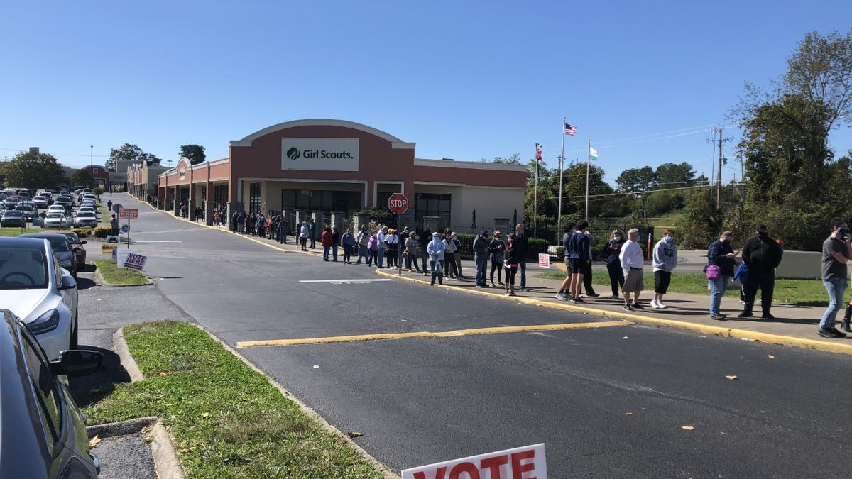 Long voting lines stretched into Saturday in Knox County.