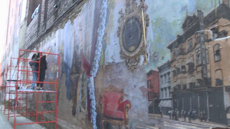 Downtown Knoxville mural inspired by hotel