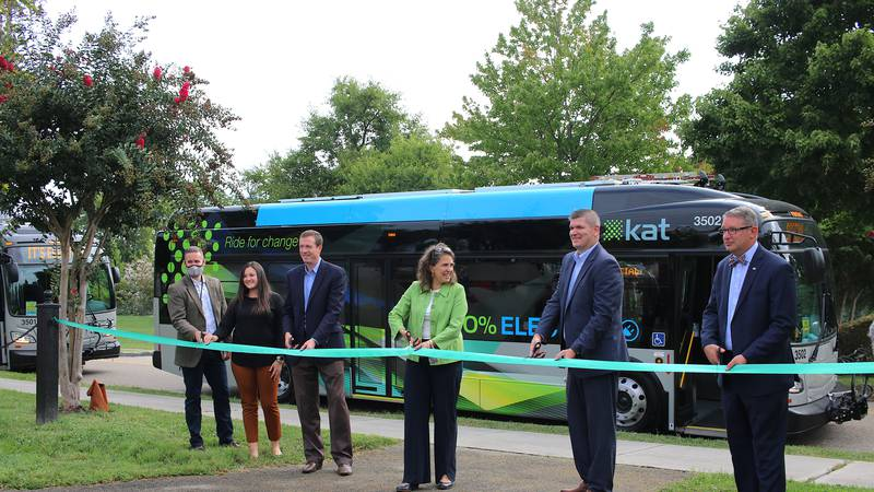 Knoxville welcomes new electric busses