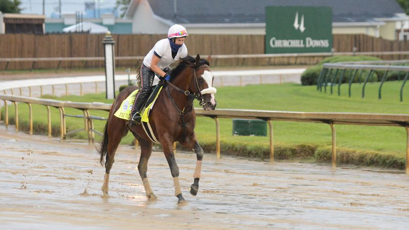Legendary photographer Dan Dry is once again sharing his images with us from Churchill Downs...