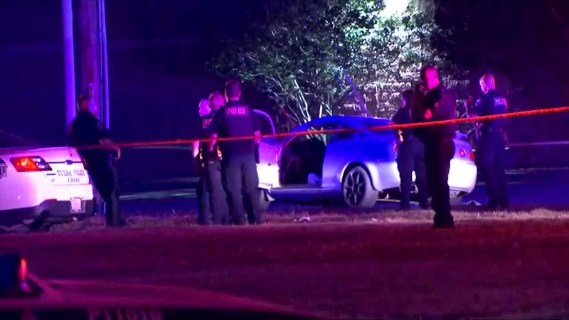 Tulsa Police: Two officers shot during traffic stop