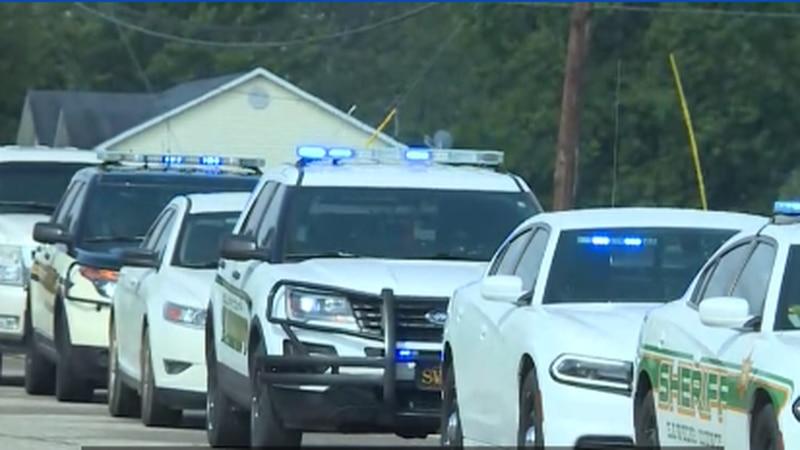 Sheriffs responding to a lockdown at Volunteer High School