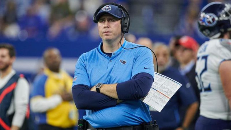 INDIANAPOLIS, IN - NOVEMBER 18: Tennessee Titans tight ends coach Arthur Smith looks on in game...