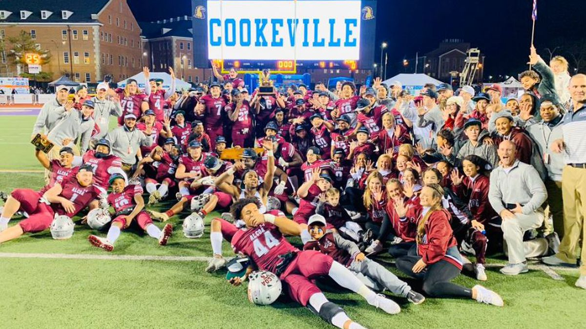 Alcoa Tornadoes celebrate their fifth consecutive state championship win / Source: Varsity All Access